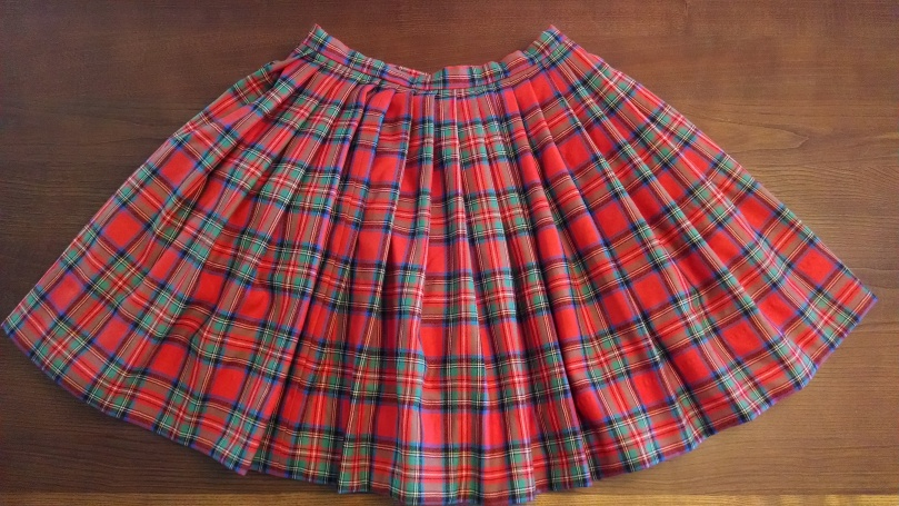 Sewing a Braveheart Kilt Part II: the completed kilt! (https://thefarmingdaughter.com/2015/03/03/braveheart-part-ii/)