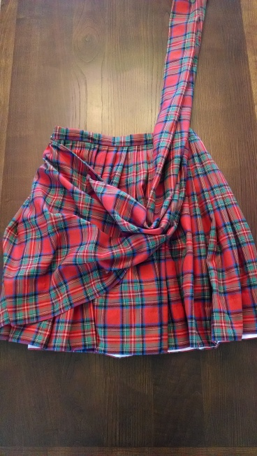 Sewing a Braveheart Kilt Part II: the completed kilt (https://thefarmingdaughter.com/2015/03/03/braveheart-part-ii/)