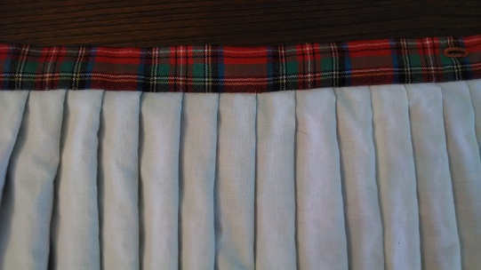 Sewing a Braveheart Kilt Part II: the waistband (https://thefarmingdaughter.com/2015/03/03/braveheart-part-ii/)