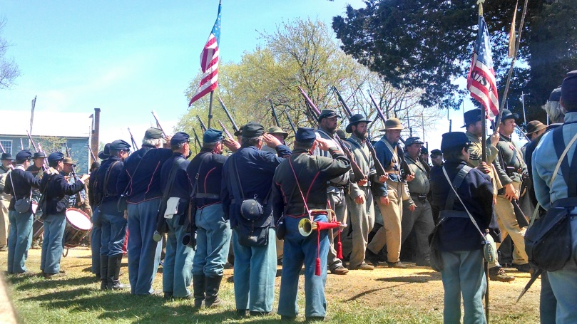 150th Appomattox: Confederate surrender ceremony 1 (https://thefarmingdaughter.com/2015/05/18/150th-appomattox/)